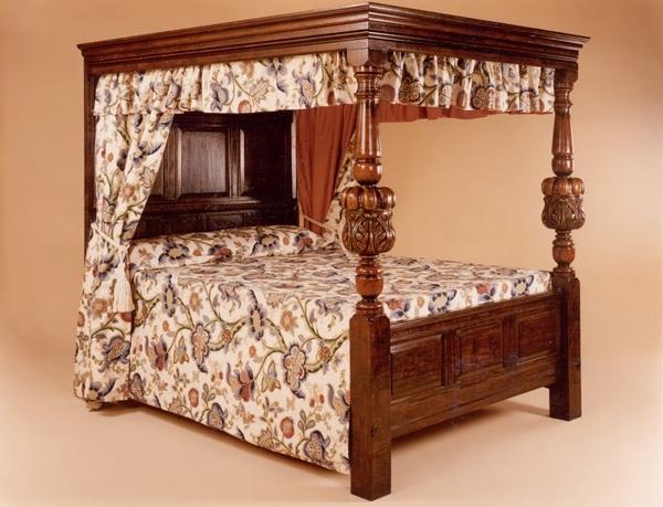 Four Poster Bed, Oak,Plain Columns