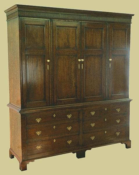 Linen Press Oak 6-Drawer, 4-Door
