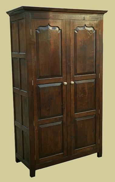 2 Door Wardrobe Oak Ogee