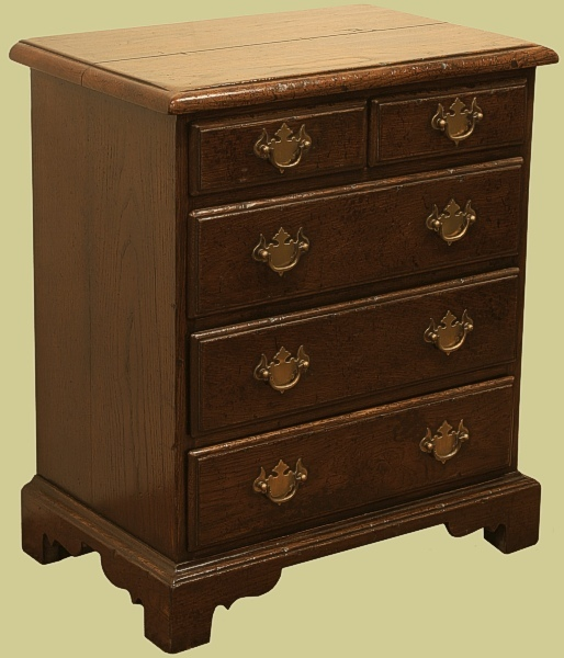 Small oak chest of drawers handmade in england for Small bedside chest of drawers