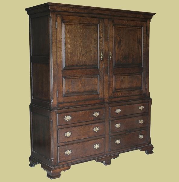 Bespoke Dismantle-able Oak Linen Press