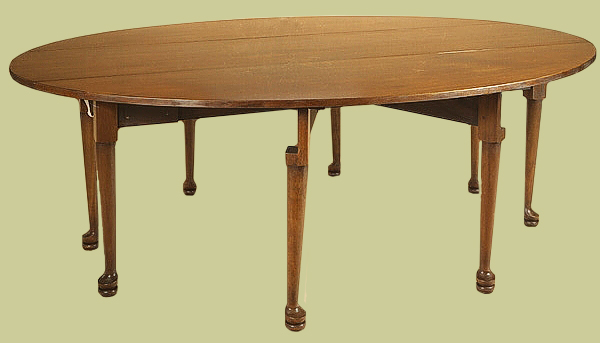 Gateleg drop leaf table, handmade in oak with padfeet. An 18th century style, 8 seater.