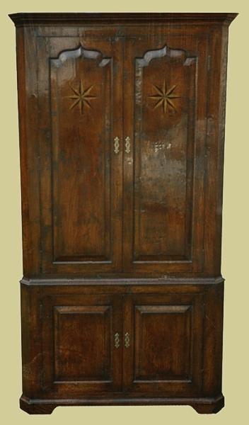 Oak Corner Cupboard 4 Door