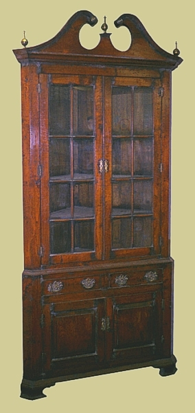 Antique Georgian Style Cnr Cupbd Oak