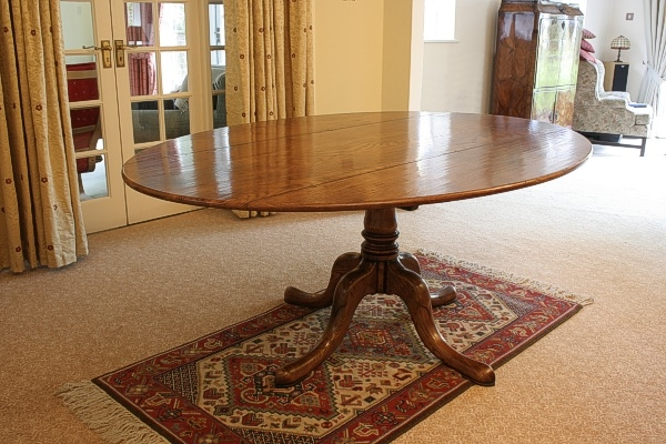 Pedestal Kitchen Table And Chairs  Pieces