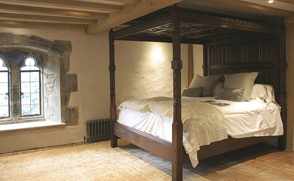 Carved Tudor Style Four Poster Bed In Manor House