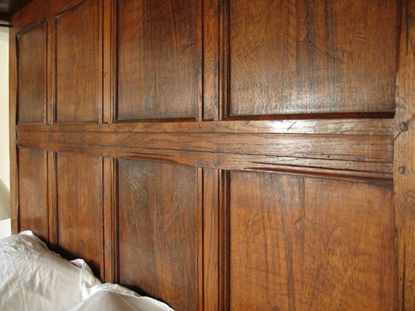 Tester bed oak panelling