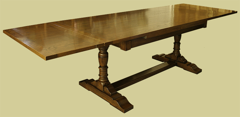 Oak drawerleaf pedestal dining table (large image