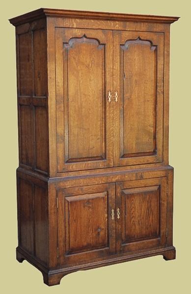 Oak 4-Door Storage Cupboard