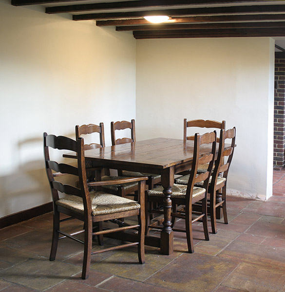 Small Country Table And Chairs: Small Oak Refectory Table & Country Chairs In Sussex Cottage