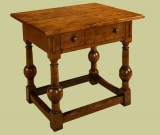 Oak side table with period style bulbous turned legs