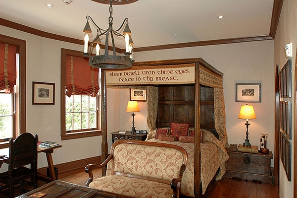 Furnished oak panelled bed four poster bed in historic house