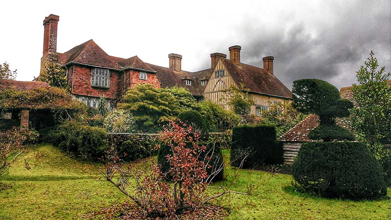 West elevation of Great Dixter, showing original house and early 16th century addition
