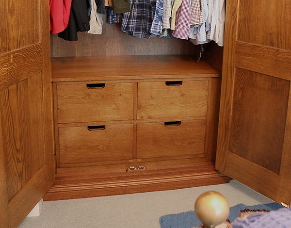 Bespoke oak drawer unit for inside of wardrobe