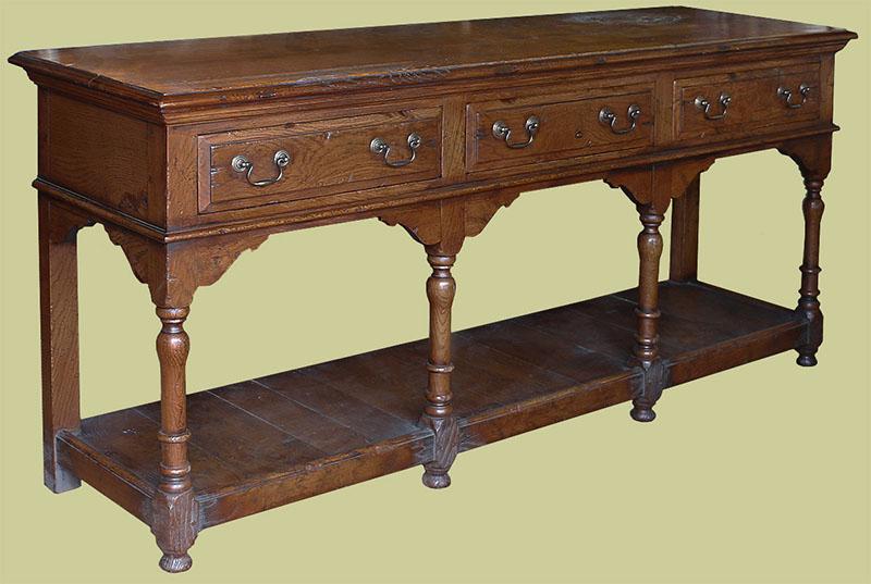 Early oak reproduction 3-drawer pot-board dresser